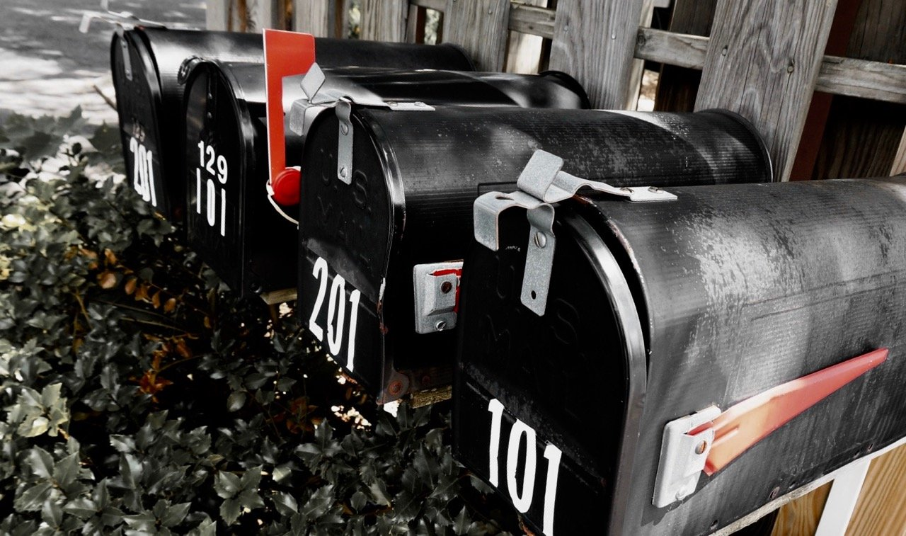 Mailboxes with flags